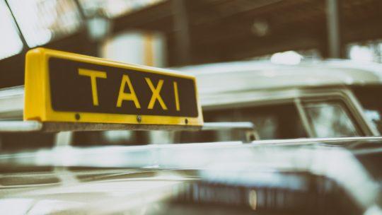 Pourquoi devez-vous vous déplacer en taxi?