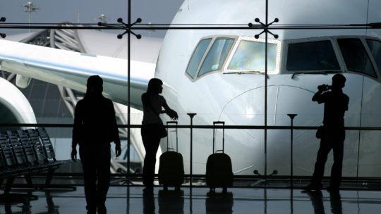 Vols retardés ou annulés: quels sont vos droits?
